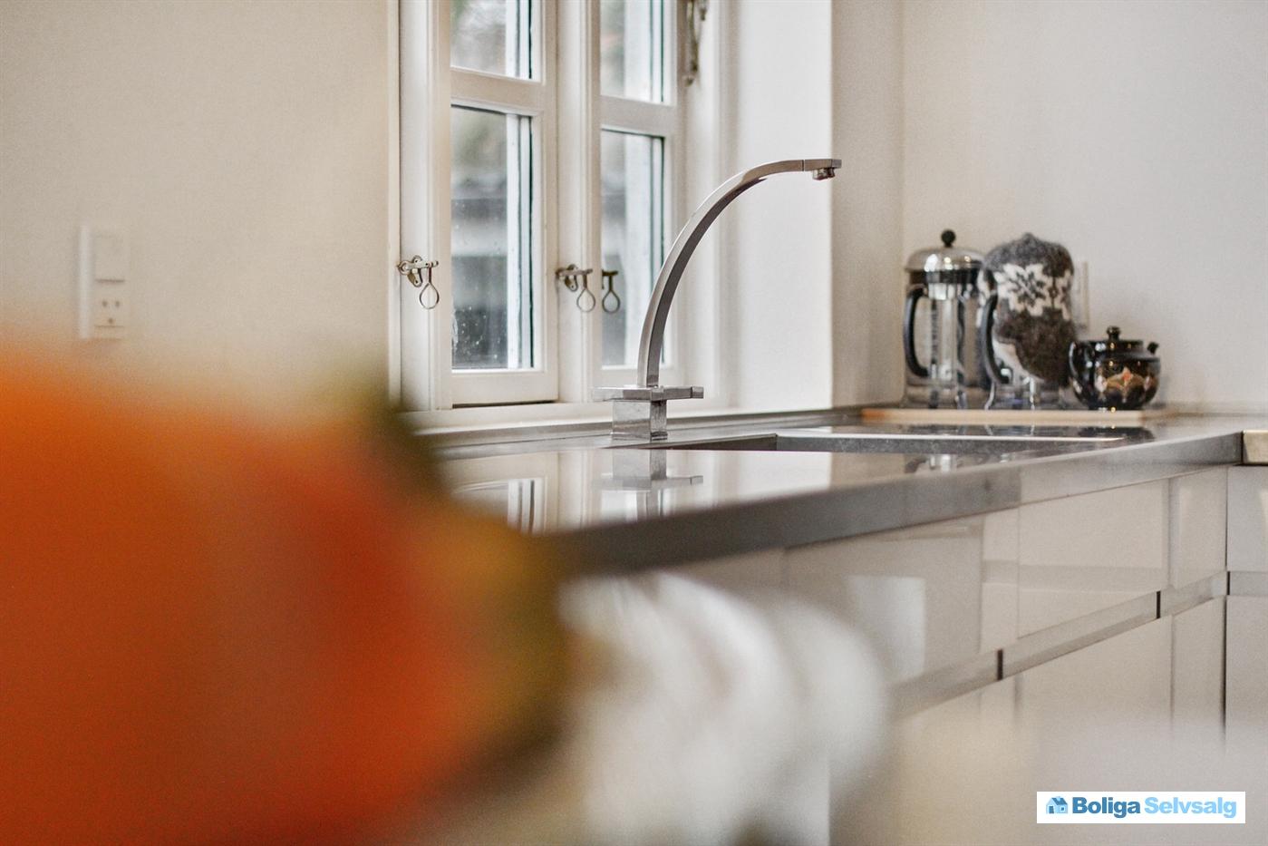 Søstien 2, Rønne, 3700 Rønne - Moderne indrettet villa med ...