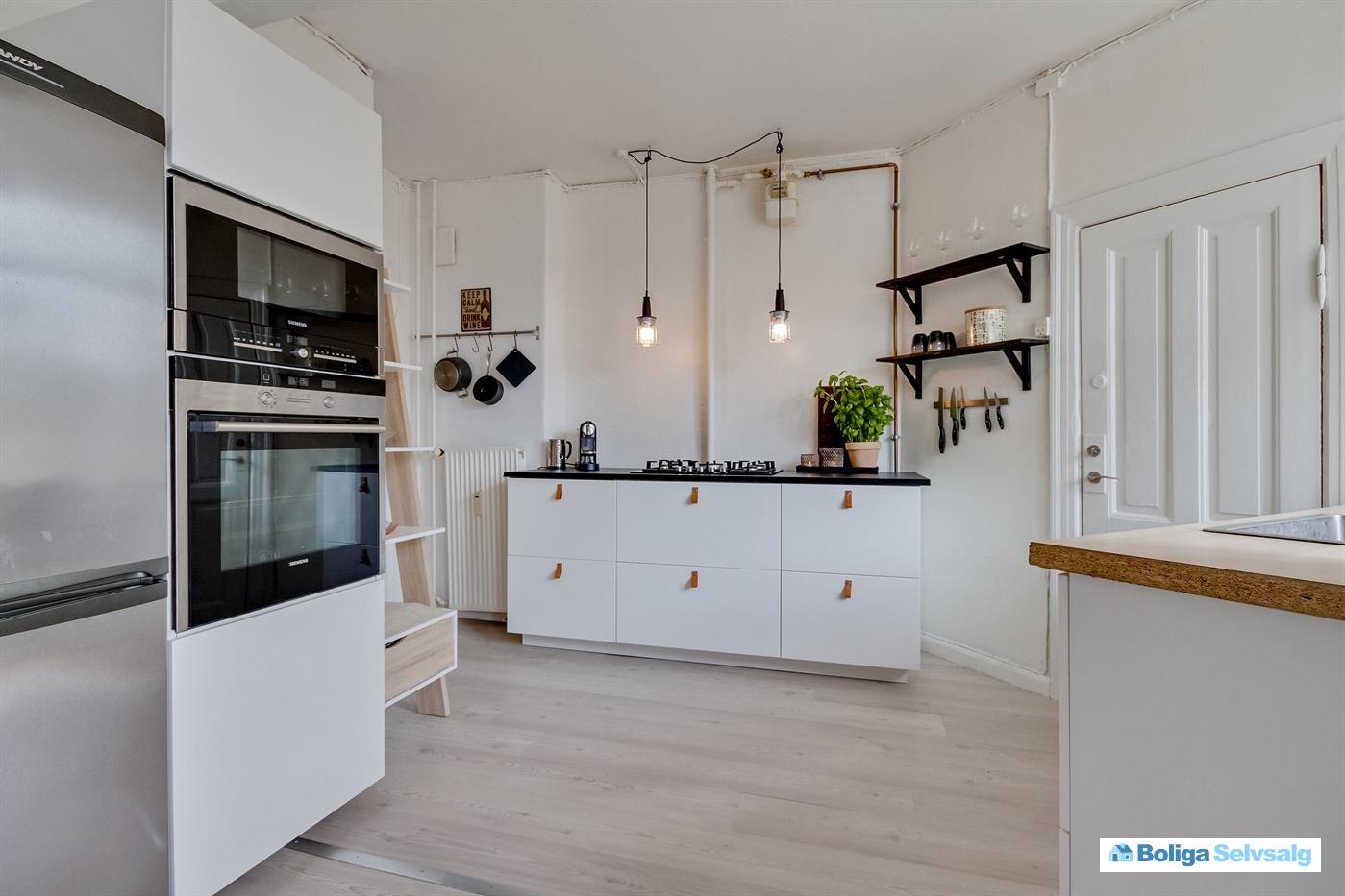 Hammershusgade 3, 1. th., 2100 københavn Ø   unik lejlighed, stort ...
