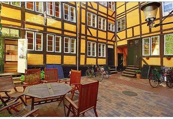 Sankt Gertruds Stræde 8A, st.