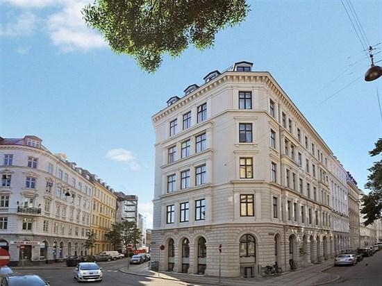 Herluf Trolles Gade 2, st.