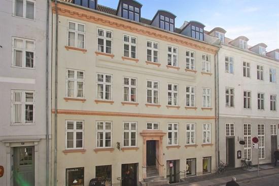 Vingårdstræde 19, st. tv