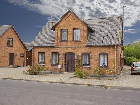 Stationsvej 8, 5620 Glamsbjerg