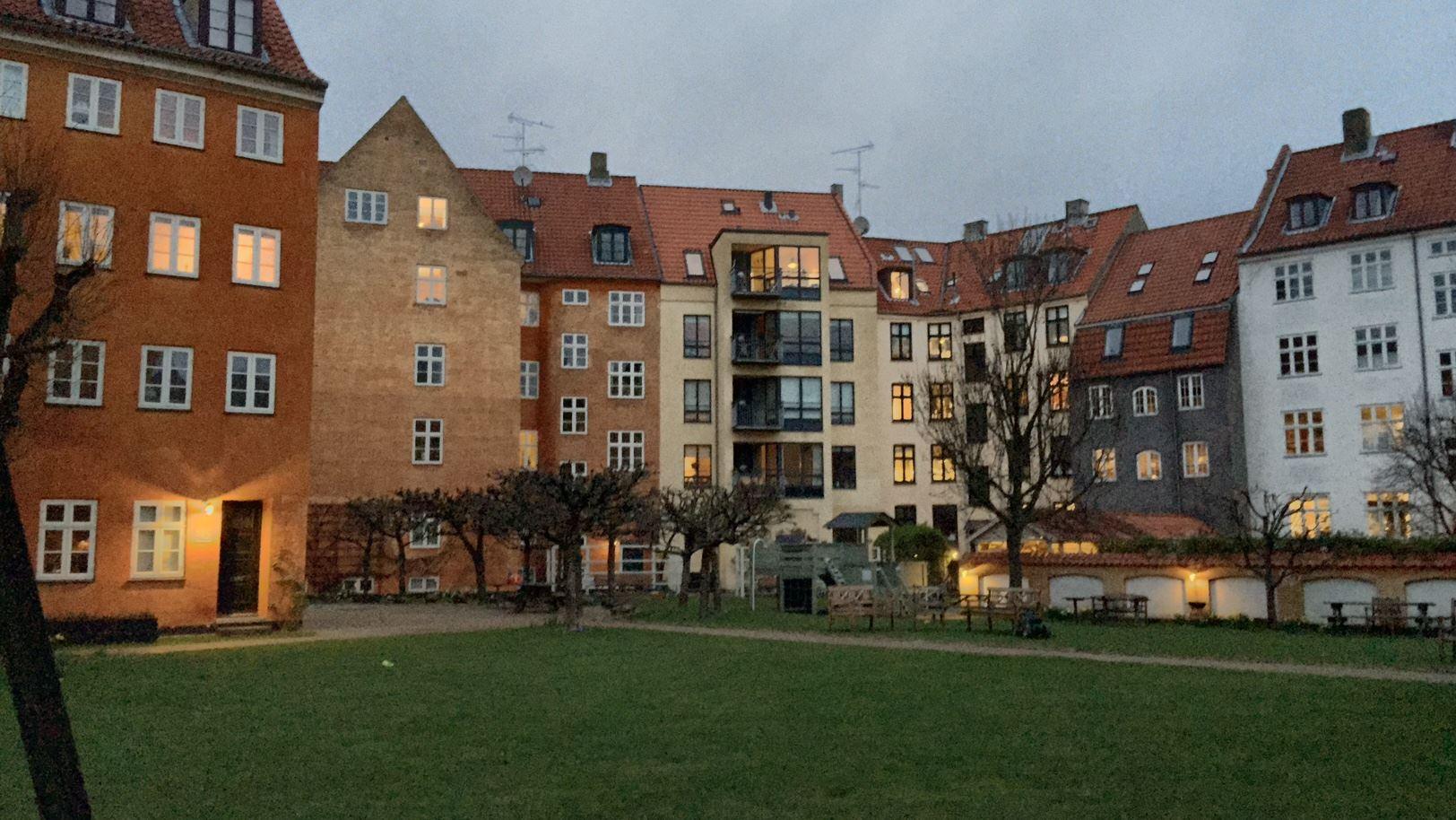 Fiolstræde 32, 2. tv, 1171 København K