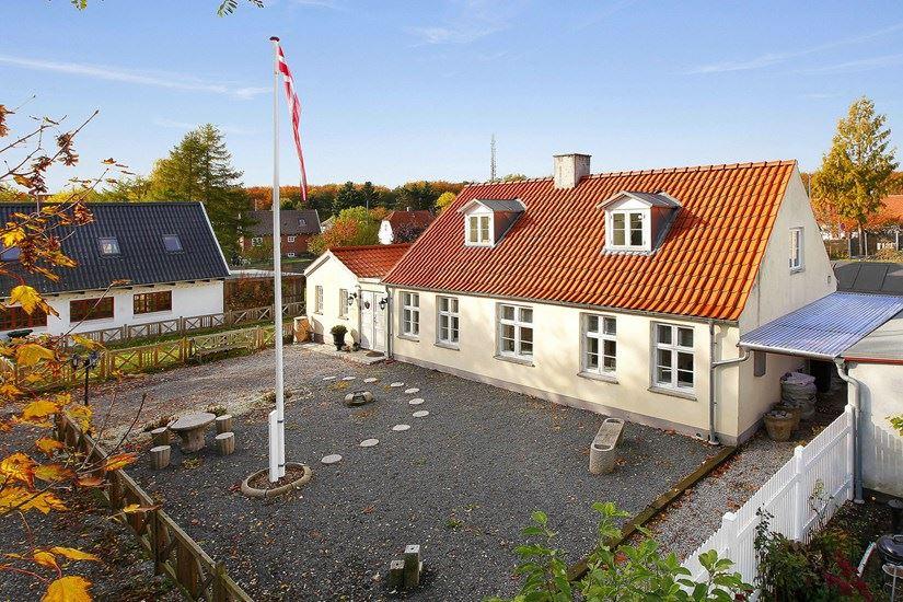Brøndbyøstervej 108  2605 Brøndby, 2605 Brøndby