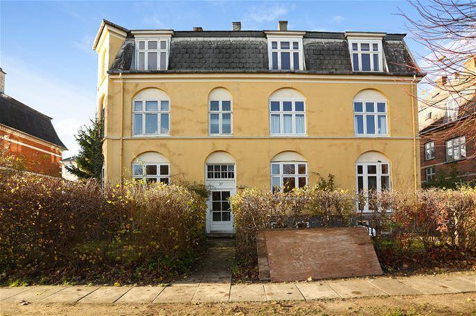 Esthersvej 27  ST. TV., 2900 Hellerup