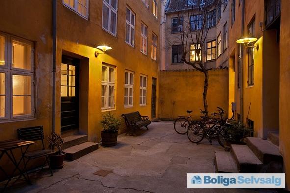 Kompagnistræde 7A, 2. th., 1208 København K